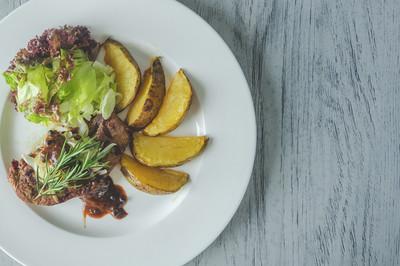 Rindfleisch mit Kartoffeln